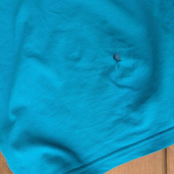t-shirt-repair-hole